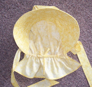 Inside our bonnets, using drawstrings, you can adjust your bonnets